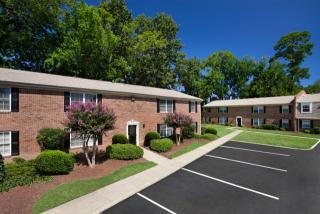 17 Middlesex Rd, Newport News, VA 23606