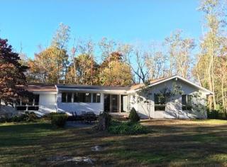 426 Strawberry Hill Rd, Concord, MA 01742