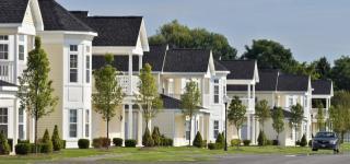 1 Ascot Cir, Saratoga Springs, NY 12866