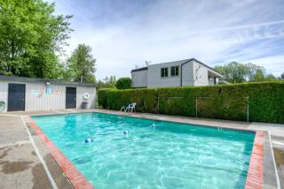 1455 Bailey Hill Rd, Eugene, OR 97402