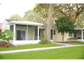 5723 E Harbor Dr #1, Fruitland Park, FL 34731