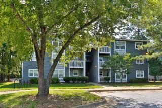 200 Westminster Dr, Chapel Hill, NC 27514