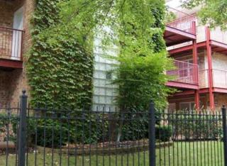 4543 N Dover St, Chicago, IL 60640