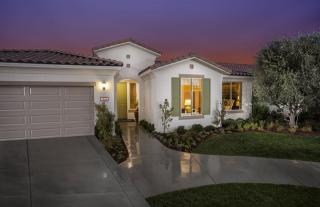 Solera Diamond Valley by Del Webb