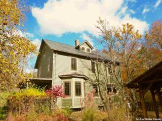 64 Lower Byrdcliffe Road, Woodstock NY