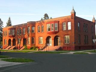 1230 Hughitt Ave, Superior, WI 54880