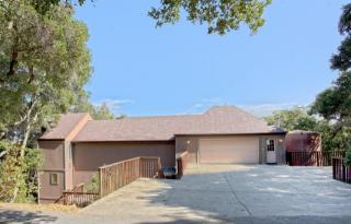 17 Upper Lake Rd, Woodside, CA 94062