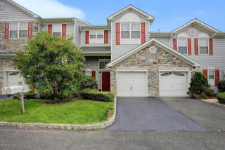 17 Chimney Court, Laurence Harbor NJ
