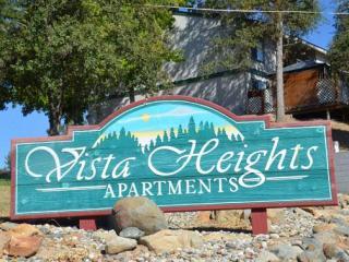 49269 Vista Heights Ln, Oakhurst, CA 93644