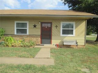 300 S College Ave, Holliday, TX 76366