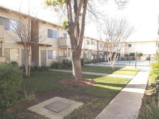204 Warren Way, Modesto, CA 95356