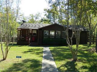 60 Cherry Hills Dr, Coldspring, TX 77331