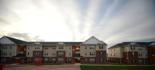 750 S 43rd St, Grand Forks, ND 58201