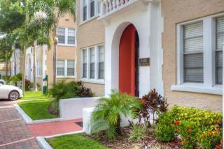 1406 Bay Villa Hyde Park, Tampa, FL 33629