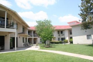 8537 Magnolia Ave, Riverside, CA 92504
