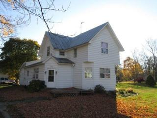 202 W Section St, Milford, IN 46542