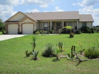 4124 Mesquite Ave, Lyford, TX 78569