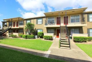 10881 Richmond Ave, Houston, TX 77042