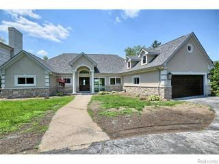 2970 Middlebelt Road, West Bloomfield MI