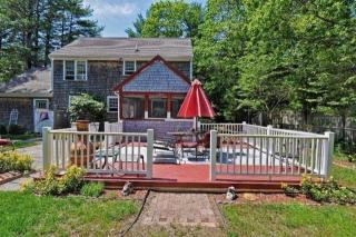 46 Goff Ter, Centerville, MA 02632