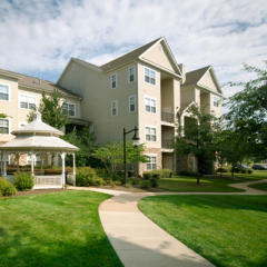 13690 Legacy Cir, Herndon, VA 20171