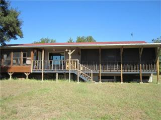 2068 County Road 411, Lexington, TX 78947