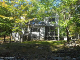 222 Westfall Dr, Dingmans Ferry, PA 18328