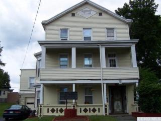 57 Thompson St, Catskill, NY 12414