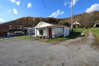 116 Perry Highway, Harmony PA