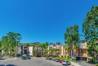 3939 Veselich Ave, Los Angeles, CA 90039