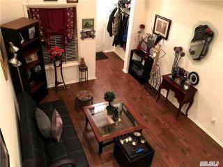 52 Crossbar Rd, Medford, NY 11763
