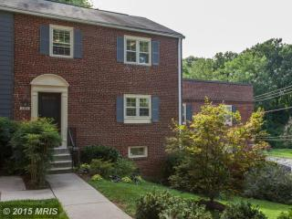 6613 Hillandale Rd #92, Chevy Chase, MD 20815