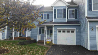258 Pinebrook Dr, Hyde Park, NY 12538