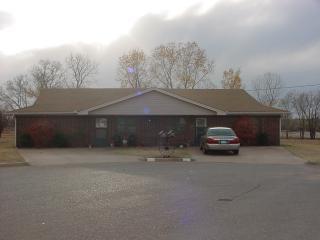 128 Hosanna Ave, Elk City, OK 73644