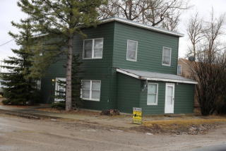 701 Montana St, Valier, MT 59486