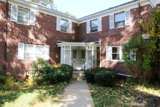 32 Manor Dr, Red Bank, NJ 07701