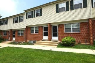 2901A Wyoming Dr, Sinking Spring, PA 19608