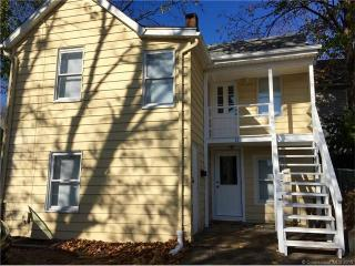 21 Chappell St, New London, CT 06320