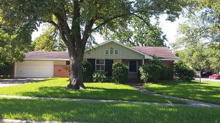 8423 Glenscott St, Houston, TX 77061