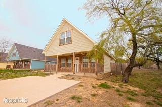 10918 Shady Oaks Dr, Runaway Bay, TX 76426
