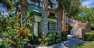 700 Sanctuary Cove Dr, West Palm Beach, FL 33410