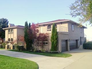 7372 S Comstock Cir, Salt Lake City, UT 84121
