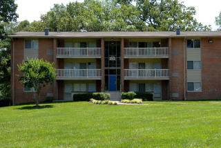 13178 Larchdale Rd, Laurel, MD 20708