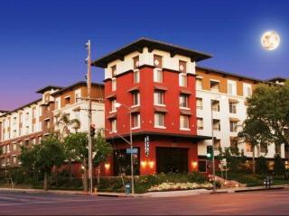 6150 Canoga Ave, Woodland Hills, CA 91367