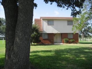 9724 W Fm 1644, Calvert, TX 77837
