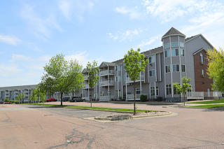 4902 S Oxbow Ave, Sioux Falls, SD 57106