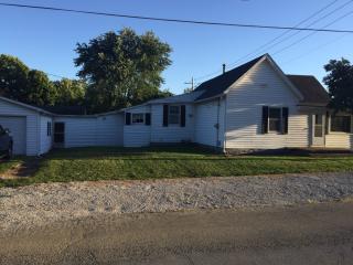 626 Oakwood Ave, Danville, IL 61832