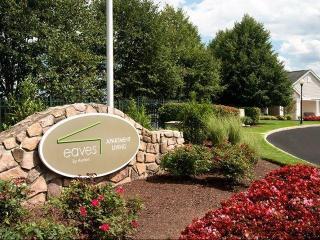 100 Avalon Gardens Dr, Nanuet, NY 10954