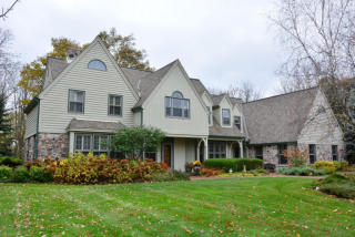 5321 West River Trail Road, Mequon WI