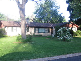 26W523 Barnes Ave, Winfield, IL 60190